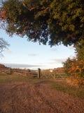La privée de signe de barrière de ferme de voie de traînée de chemin de campagne de terres cultivables photographie stock