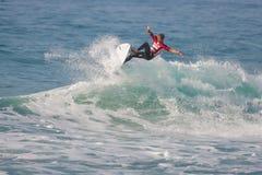 La pro concorrenza praticante il surfing di Ballito Immagini Stock