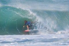 La pro concorrenza praticante il surfing di Ballito Fotografie Stock