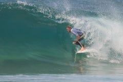 La pro concorrenza praticante il surfing di Ballito Fotografie Stock Libere da Diritti