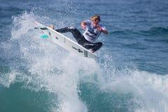 La pro concorrenza praticante il surfing di Ballito Immagini Stock Libere da Diritti