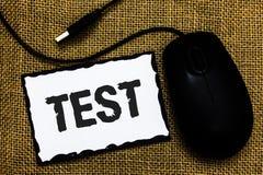 La procédure systémique scolaire de signification de concept d'essai des textes d'écriture évaluent l'art b de souris de noir d'U photo libre de droits