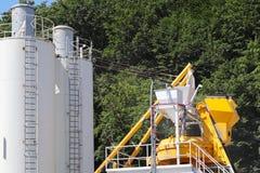 La production du béton Technologie manufacturière des mélanges de bâtiment Construction des structures des structures en béton photo libre de droits