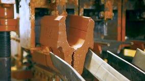 La produzione delle pietre per lastricati nella pianta video d archivio