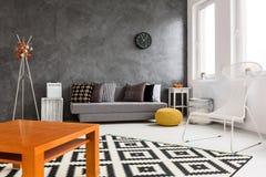 La progettazione della stanza creativa di idea o immagine stock