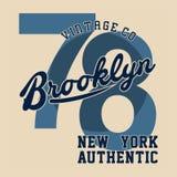 La progettazione segna Brooklyn con lettere New York autentica Fotografie Stock Libere da Diritti