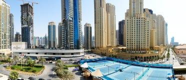 La promenade à la résidence de plage de Jumeirah Images libres de droits