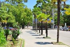 La promenade à Soukhoumi par jour chaud de Sunny July Photos libres de droits