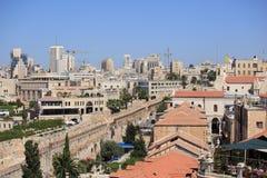 La promenade de remparts sur les vieux murs de ville Photos libres de droits