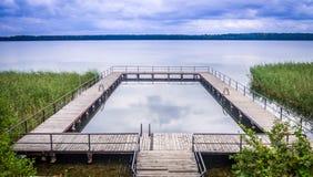 La 'promenade' del lago Masurian Foto de archivo