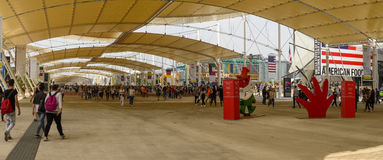 La promenade large de Decumano, EXPO Milan 2015 Images stock