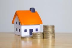 La proprietà domestica sta ottenendo costosa Immagini Stock