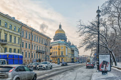 La prospettiva di Ministero della marina nella caduta della neve Fotografie Stock Libere da Diritti