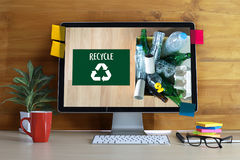 La protección ambiental recicla el salvar vidas verde Preservatio Fotos de archivo