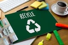 La protección ambiental recicla el salvar vidas verde Preservatio Fotografía de archivo