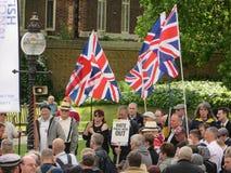 La protesta del BNP en Londons Westminster el 1 de junio de 2013 Foto de archivo
