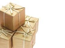 la proue de fond enferme dans une boîte des bandes de cadeau Photographie stock libre de droits