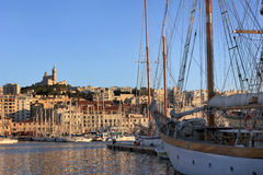 La Provenza vecchio porto di Cote d'Azur, Francia - di Marsiglia Fotografia Stock