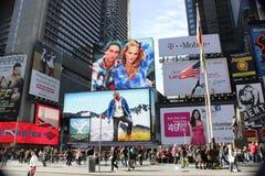 La publicité dans les périodes Square.NYC Photos stock