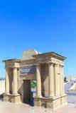 La puerta a Córdoba está situada en el sitio de romano anterior Imagenes de archivo