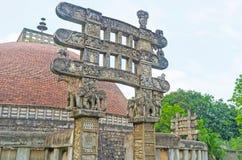 La puerta con los elefantes Imágenes de archivo libres de regalías