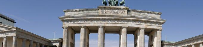 La puerta de Brandeburgo es el ` s de Berlín la mayoría de la señal famosa Un símbolo de Berlín y de la división alemana durante  Fotografía de archivo libre de regalías