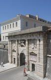 La puerta de la tierra en Zadar, Croacia Fotos de archivo