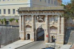 La puerta de la tierra a la ciudad vieja de Zadar Foto de archivo libre de regalías