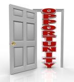 La puerta de los golpes de la oportunidad se abre en el nuevos crecimiento y ocasiones Imágenes de archivo libres de regalías