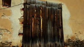 La puerta de madera imagen de archivo