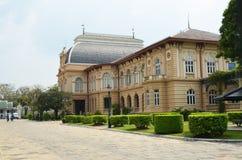 La puerta de Piman Chaisri dentro del palacio magnífico Imágenes de archivo libres de regalías