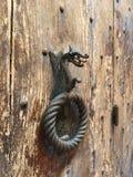 La puerta medieval en la ciudad italiana Foto de archivo libre de regalías