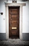 La puerta principal a la casa portugal teñido Imágenes de archivo libres de regalías