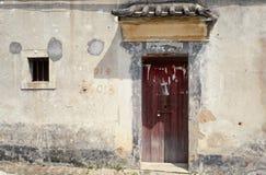La puerta vieja foto de archivo libre de regalías