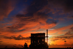 La puesta del sol de madera de sequía Imagenes de archivo