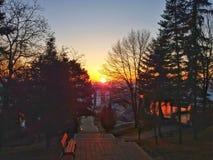 La puesta del sol en Cluj, disfruta de la visión Imágenes de archivo libres de regalías