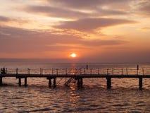 La puesta del sol en el ¾ de PortoroÅ, Eslovenia foto de archivo