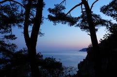La puesta del sol en el negro considera, Crimea Imagen de archivo libre de regalías