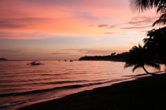 La puesta del sol en el océano, Cuba, viaje, clima tropical Imágenes de archivo libres de regalías