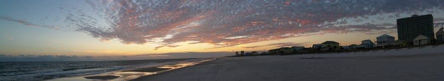 La puesta del sol en golfo apuntala Alabama Fotos de archivo