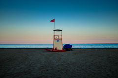 La puesta del sol en la laguna aquí es el faro en la isla de Murano - Venecia Foto de archivo libre de regalías