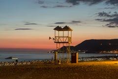 La puesta del sol en la playa de Cleopatra en Alanya Foto de archivo libre de regalías