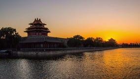 La puesta del sol en la torrecilla del museo del palacio metrajes