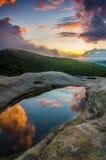 La puesta del sol, las rocas blancas pasa por alto, parque nacional del Cumberland Gap fotografía de archivo