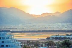 La puesta del sol más grande del Oriente Medio Foto de archivo libre de regalías