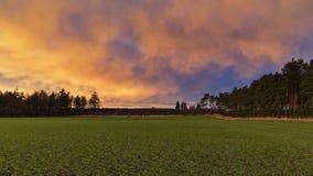 La puesta del sol pasada de Elgin para 2013. Fotos de archivo