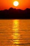 La puesta del sol roja Imagen de archivo libre de regalías
