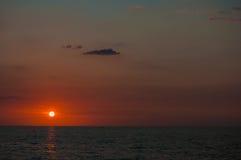 La puesta del sol roja Imágenes de archivo libres de regalías