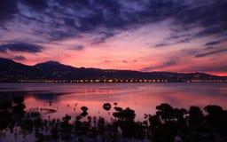 La puesta del sol rosada mágica foto de archivo