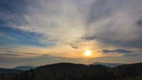 La puesta del sol se nubla lapso de tiempo metrajes